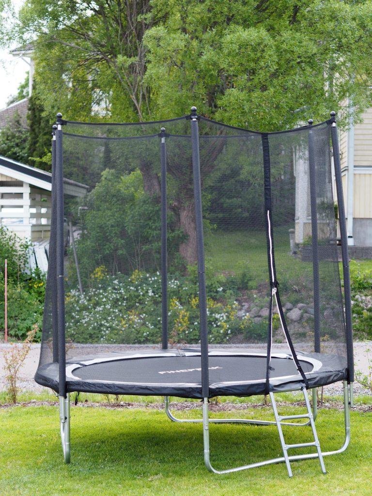 pieni trampoliini