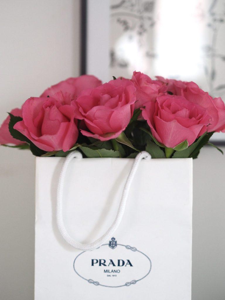 ruusuasetelmat