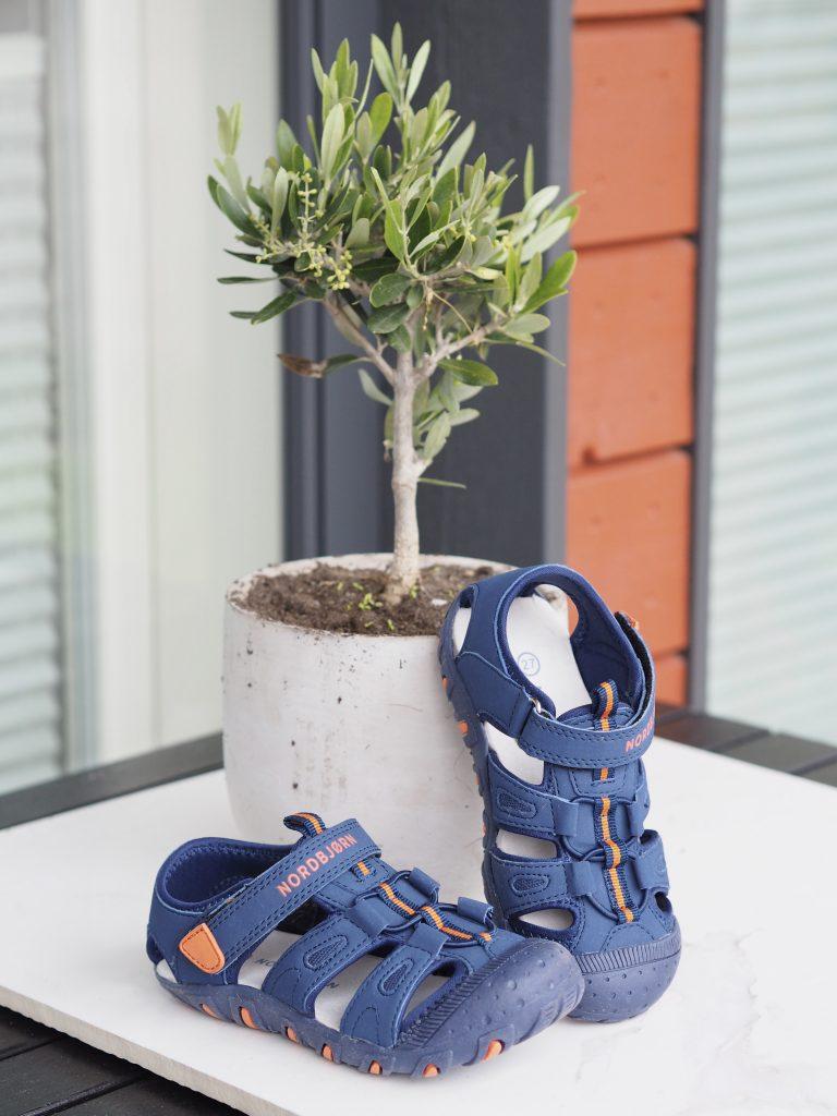 Jollyroom lasten sandaalit.
